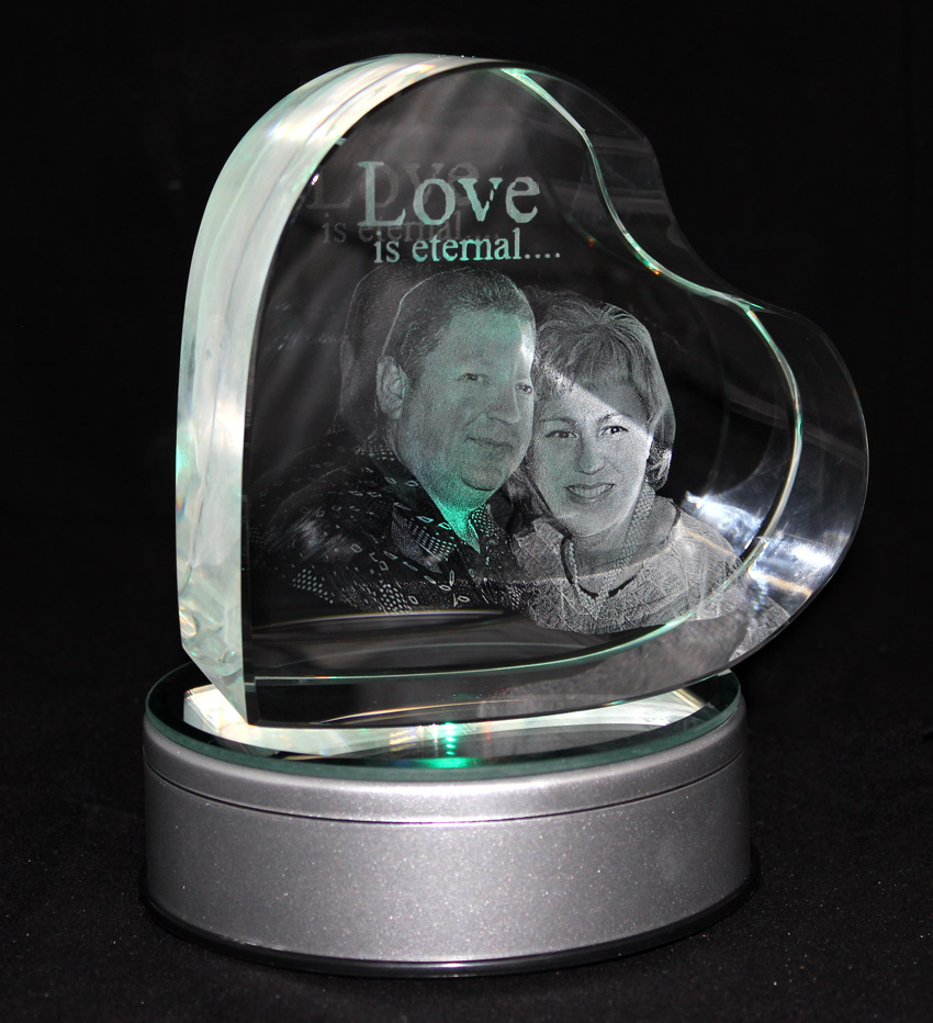 UK Specialist In 3D And 2D Lasered Photo Crystal